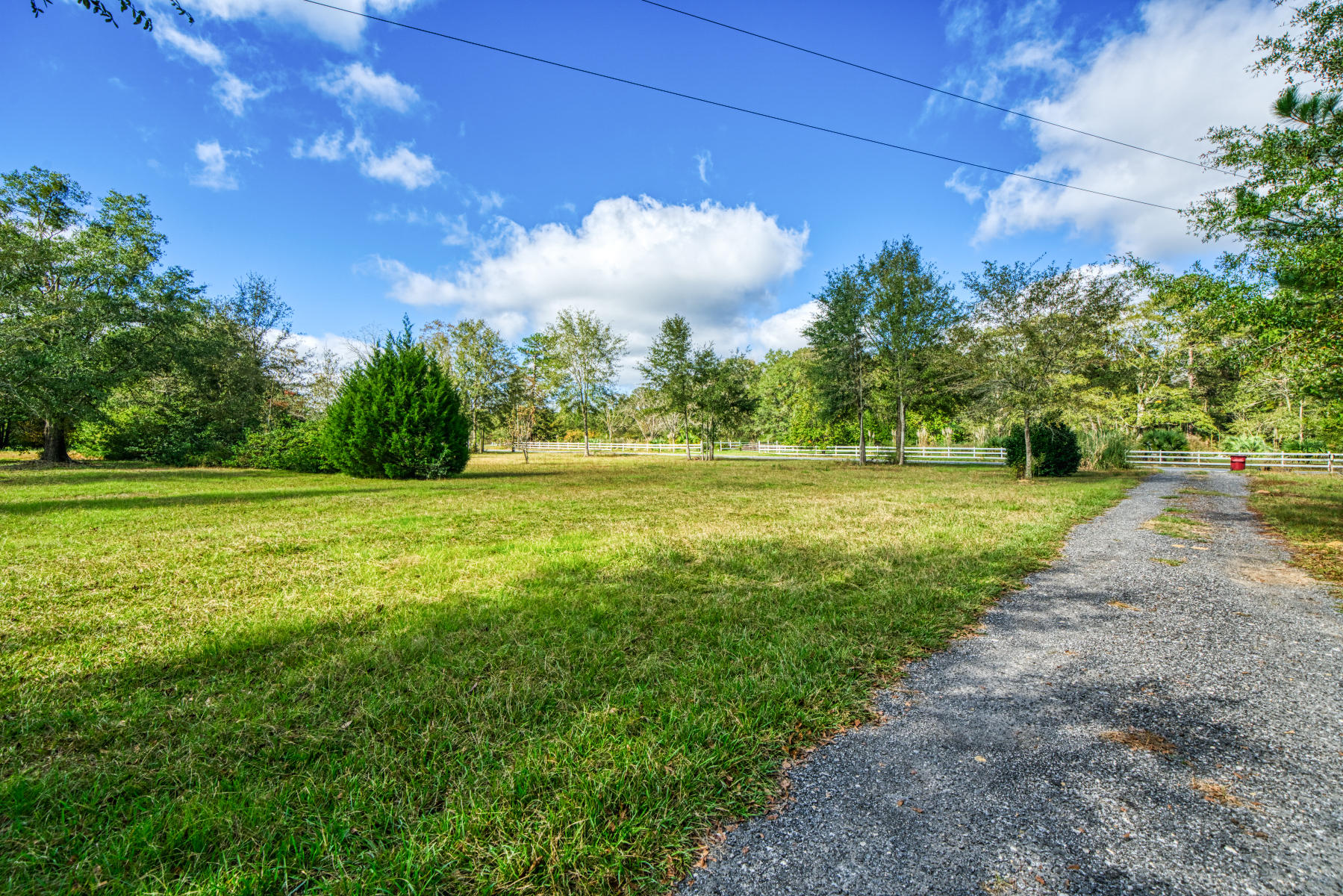 Photo of home for sale at 8937 Highway 85, Laurel Hill FL