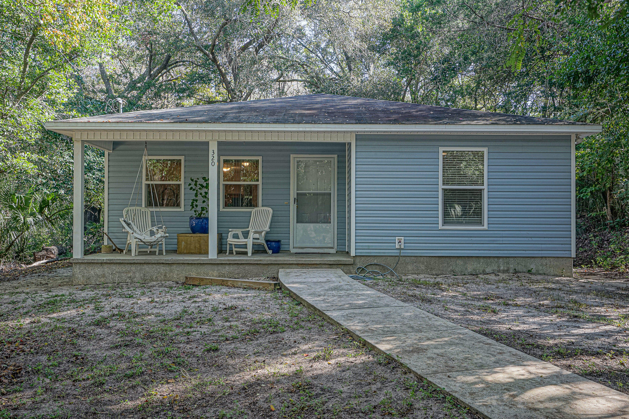 Photo of home for sale at 320 Boxer, Niceville FL