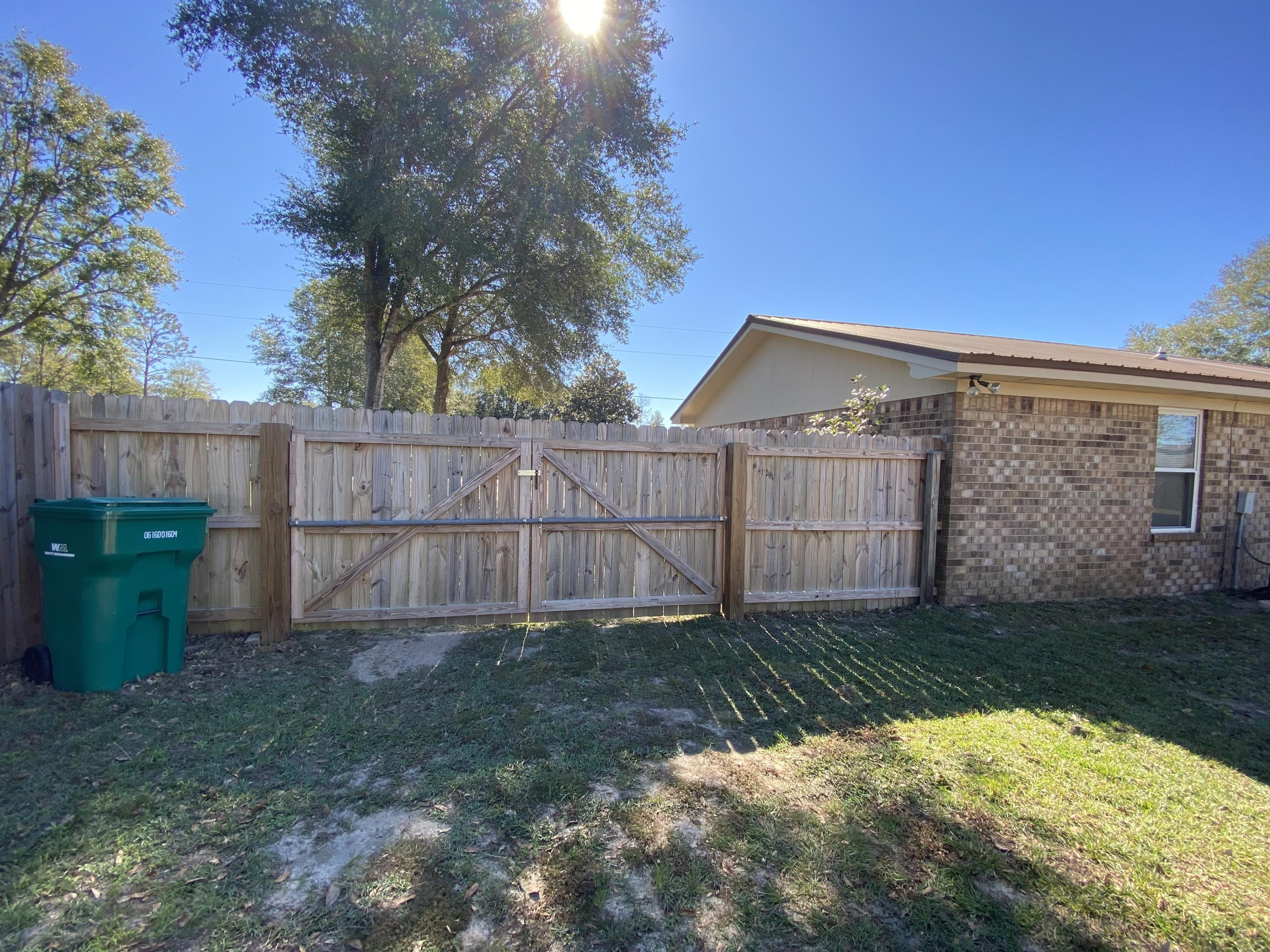 Photo of home for sale at 3357 Mclain, Crestview FL
