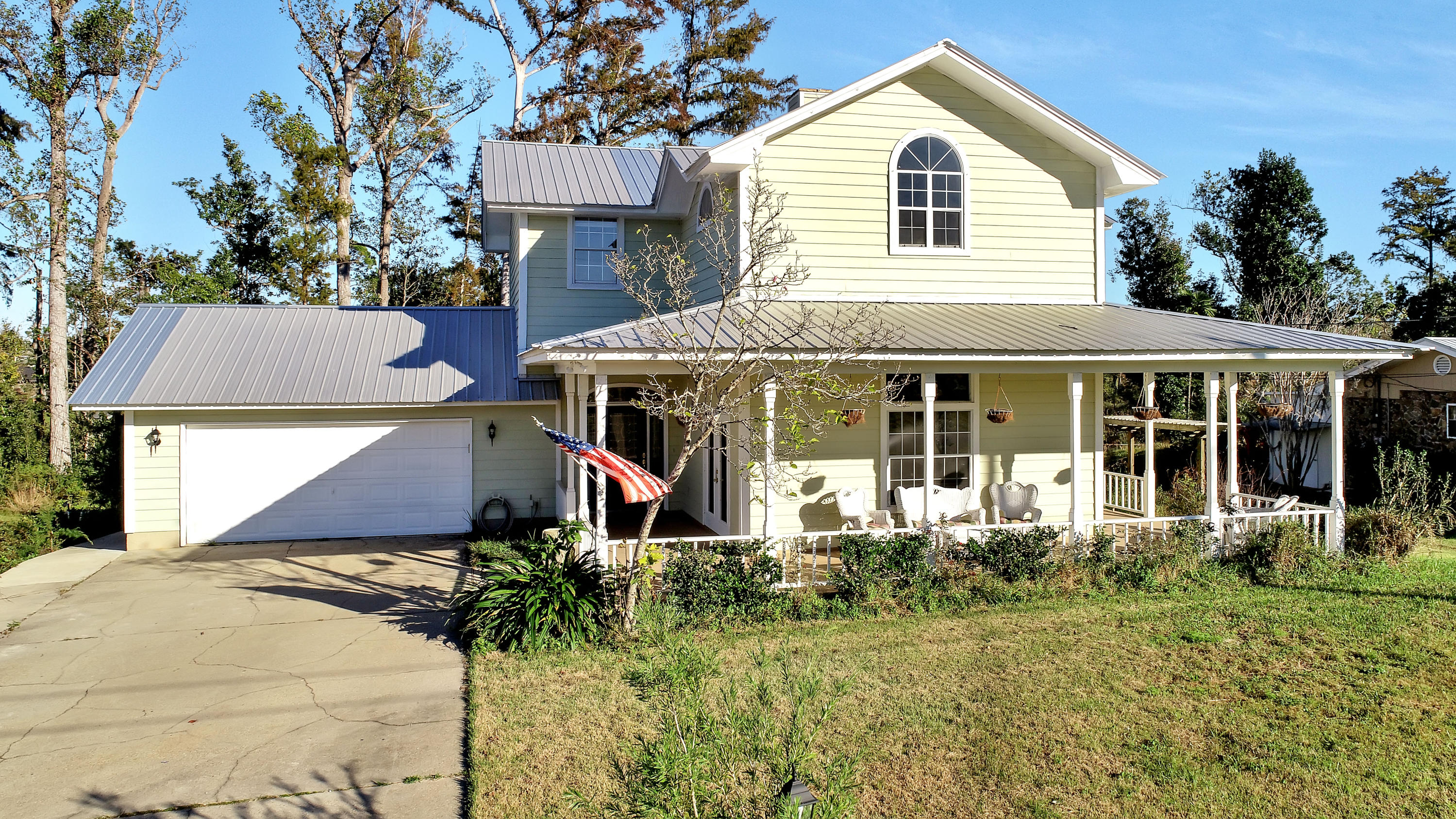 Photo of home for sale at 4426 Brook Forest, Panama City FL