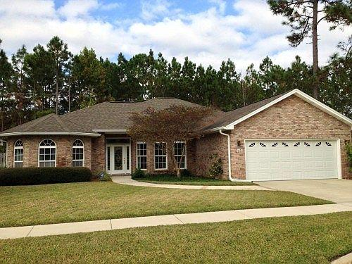 Photo of home for sale at 1610 Sydney, Lynn Haven FL