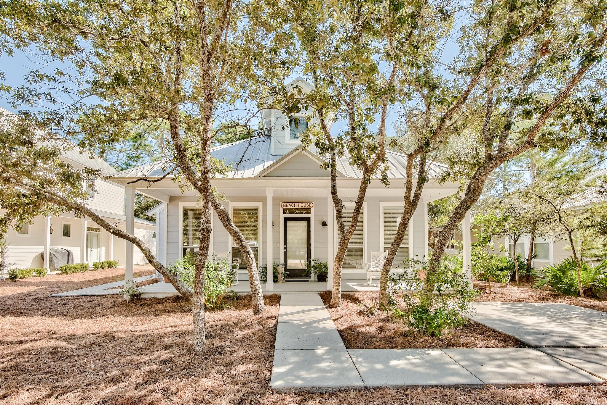 Photo of home for sale at 462 Clareon, Inlet Beach FL