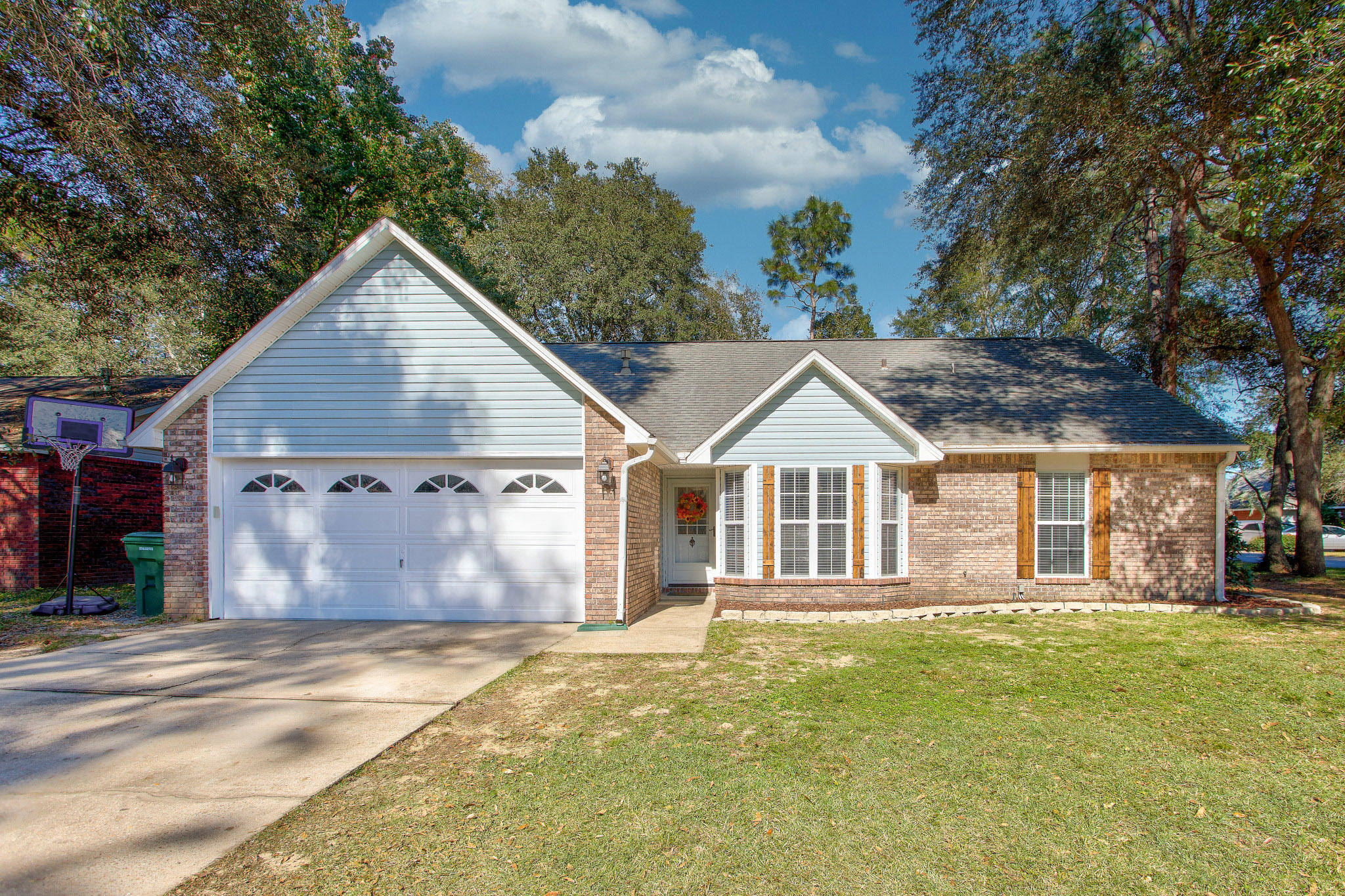 Photo of home for sale at 2807 Ultra, Crestview FL
