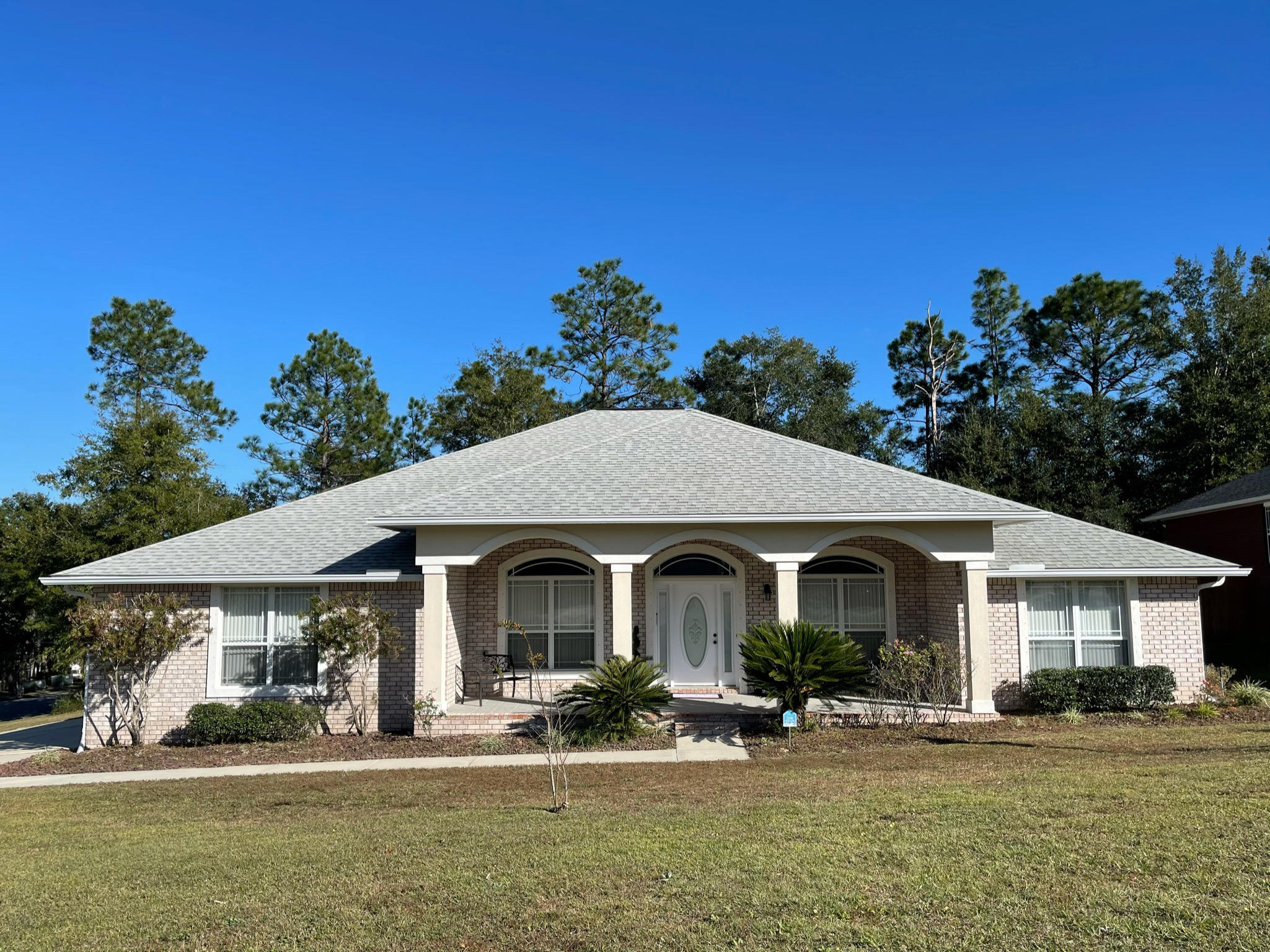 Photo of home for sale at 138 Leonine, Crestview FL