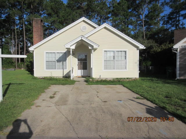 Photo of home for sale at 2822 Old Carriage, Fort Walton Beach FL