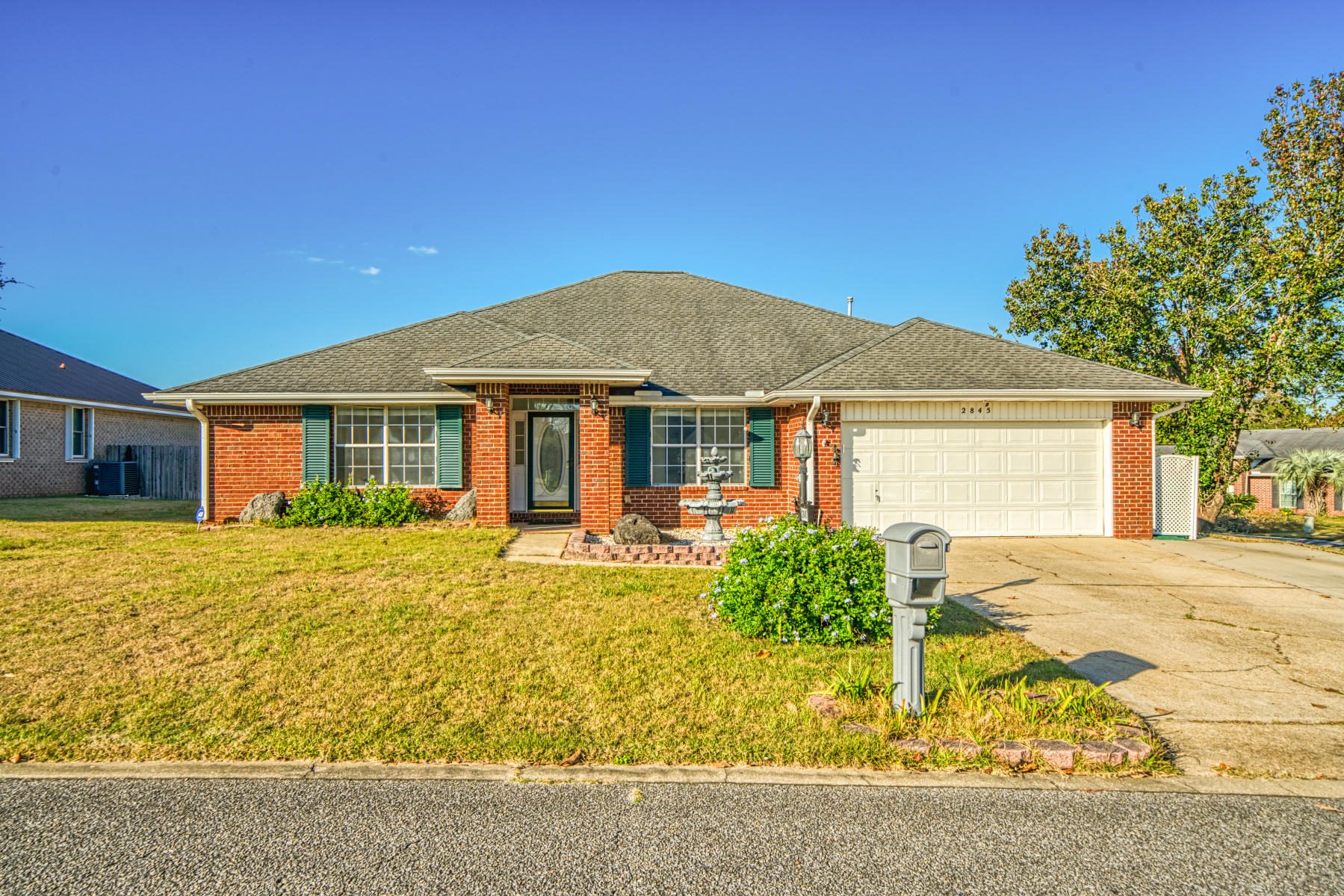 Photo of home for sale at 2845 Tamiami, Crestview FL