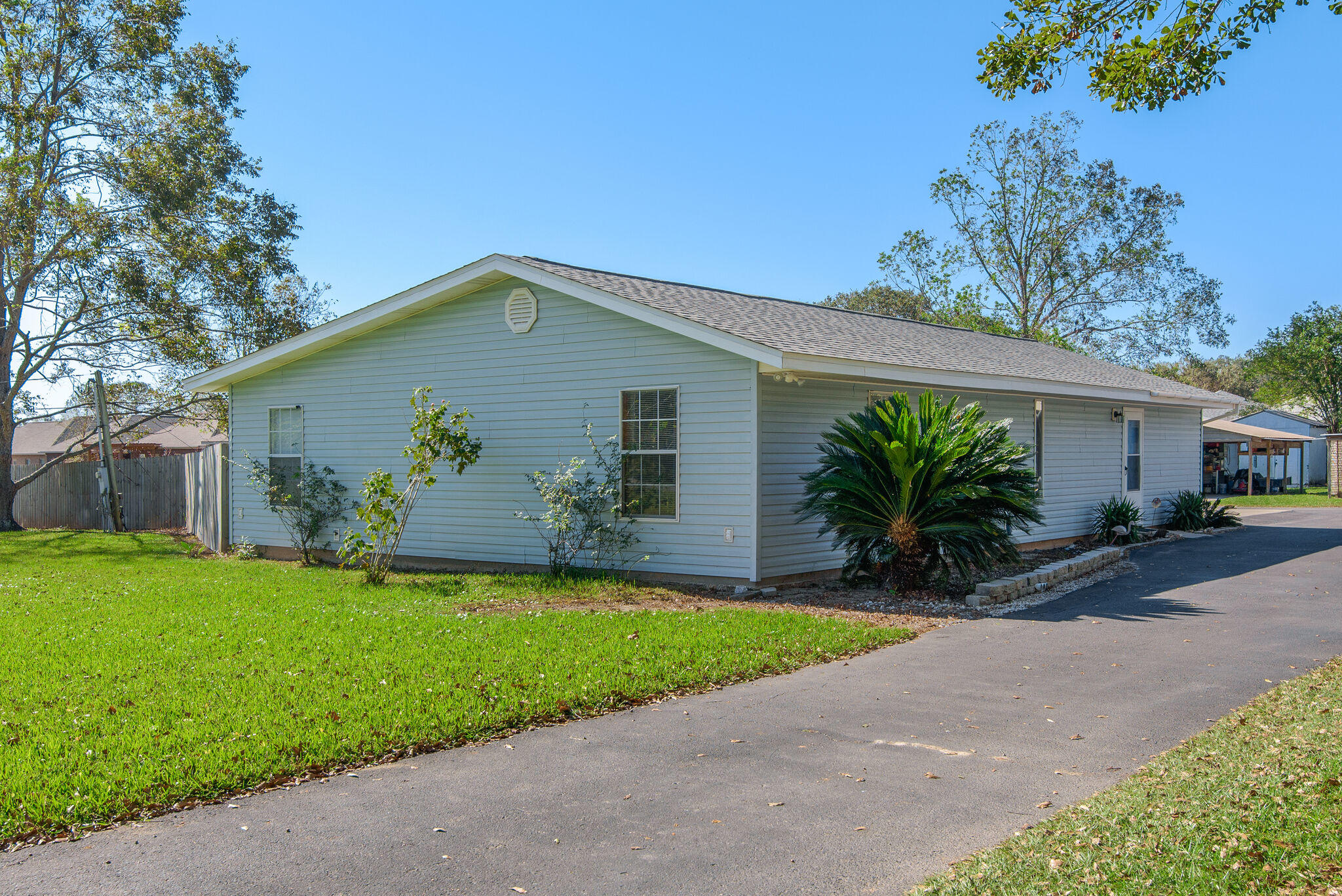 Photo of home for sale at 9001 Ashland, Pensacola FL