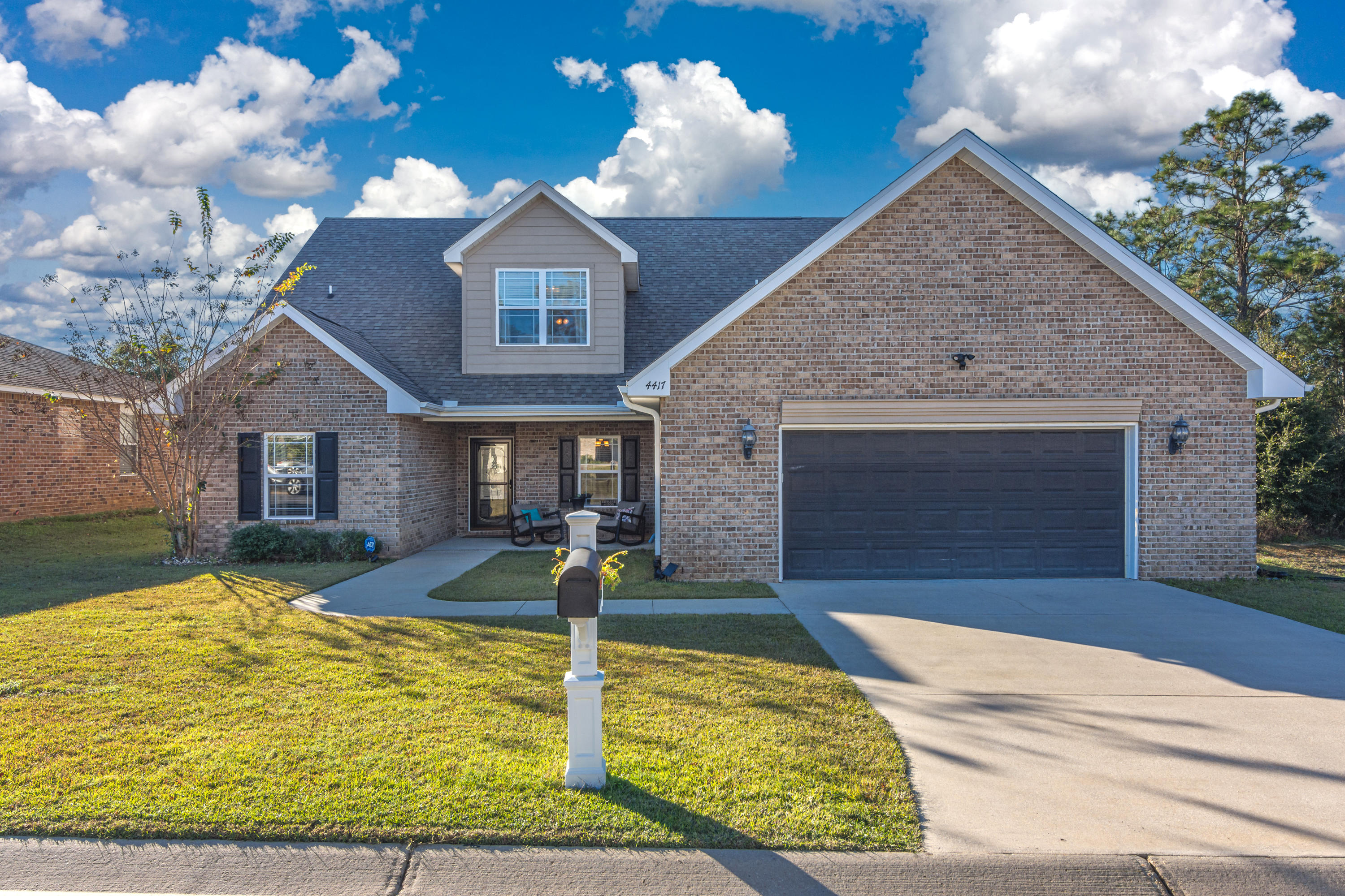 Photo of home for sale at 4417 Mirada, Crestview FL