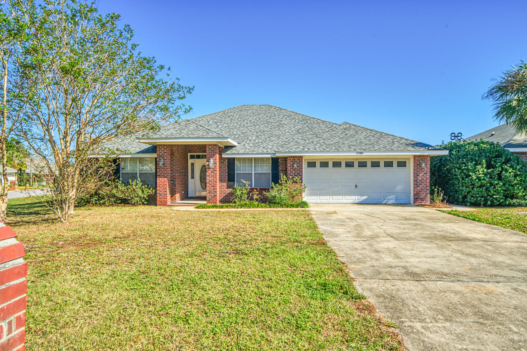 Photo of home for sale at 2380 Heritage, Navarre FL