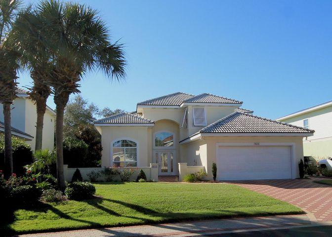 Photo of home for sale at 4634 Paradise, Destin FL