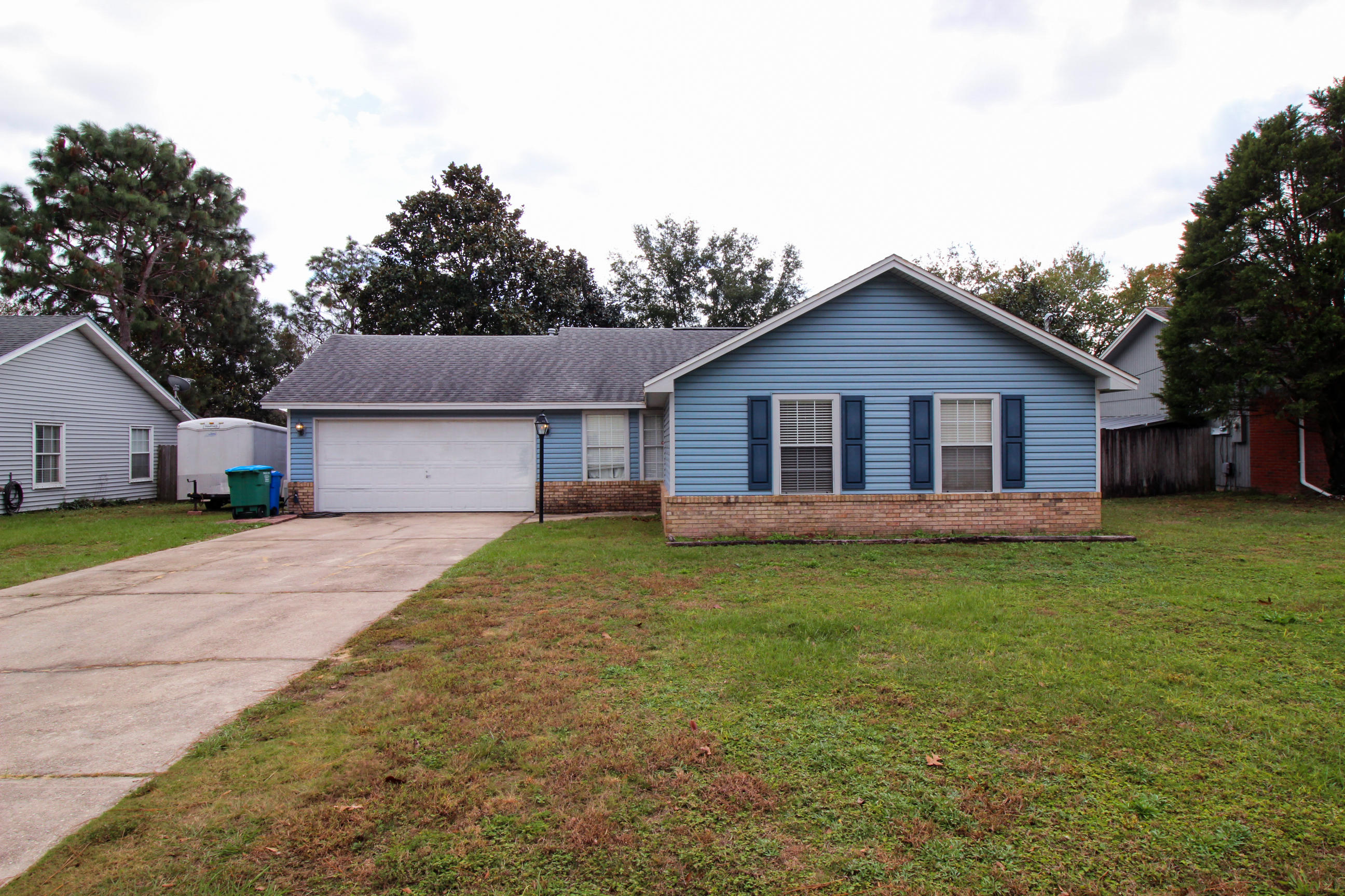 Photo of home for sale at 9 Holly, Crestview FL