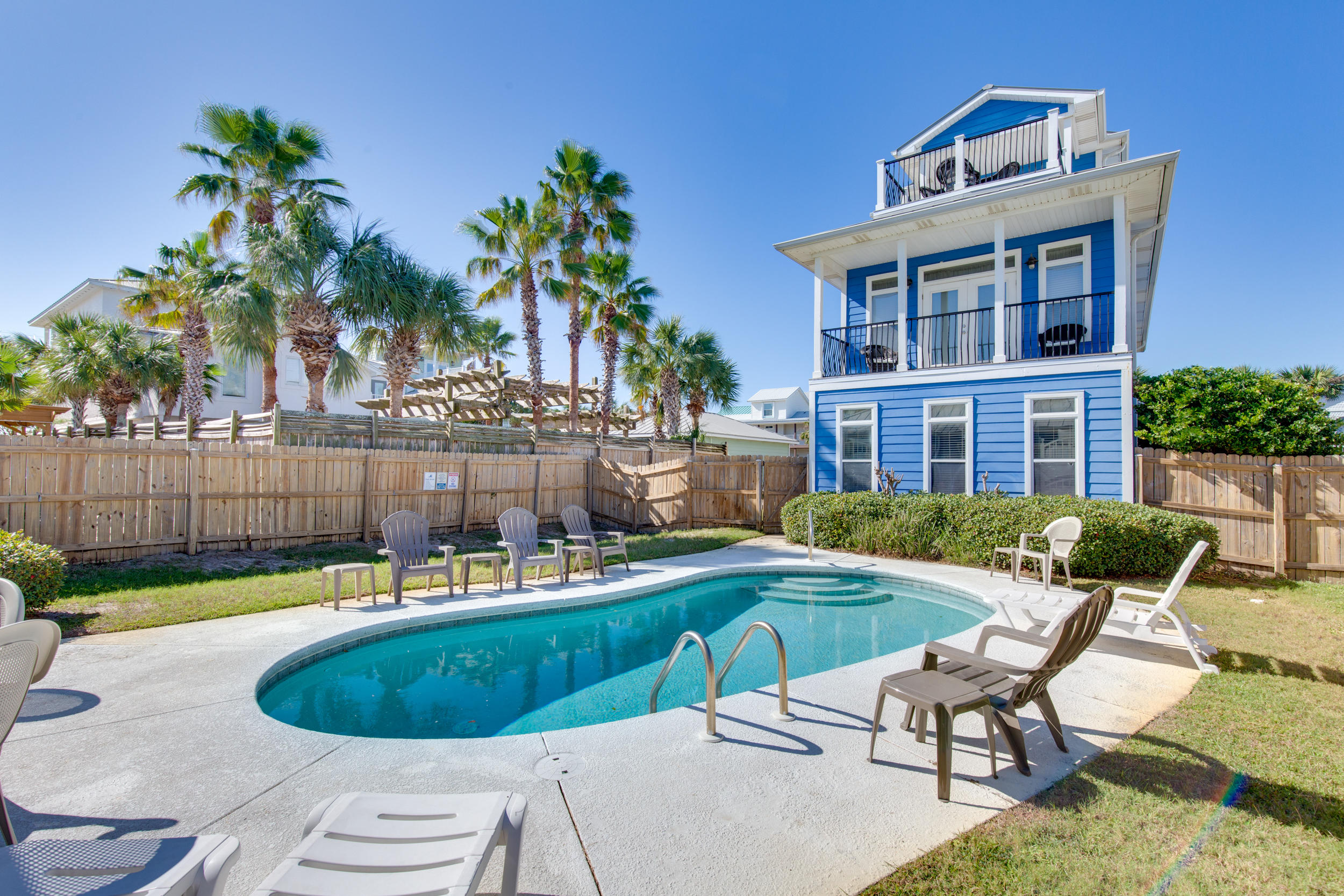 Photo of home for sale at 77 Mark, Destin FL