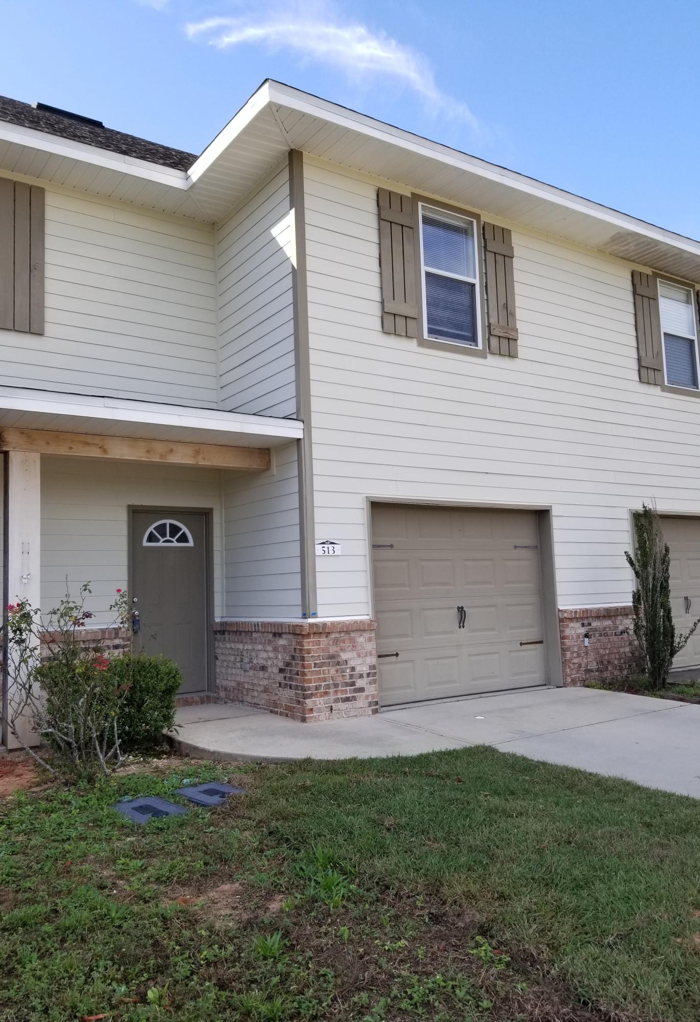 Photo of home for sale at 513 Arbor Lake, Crestview FL