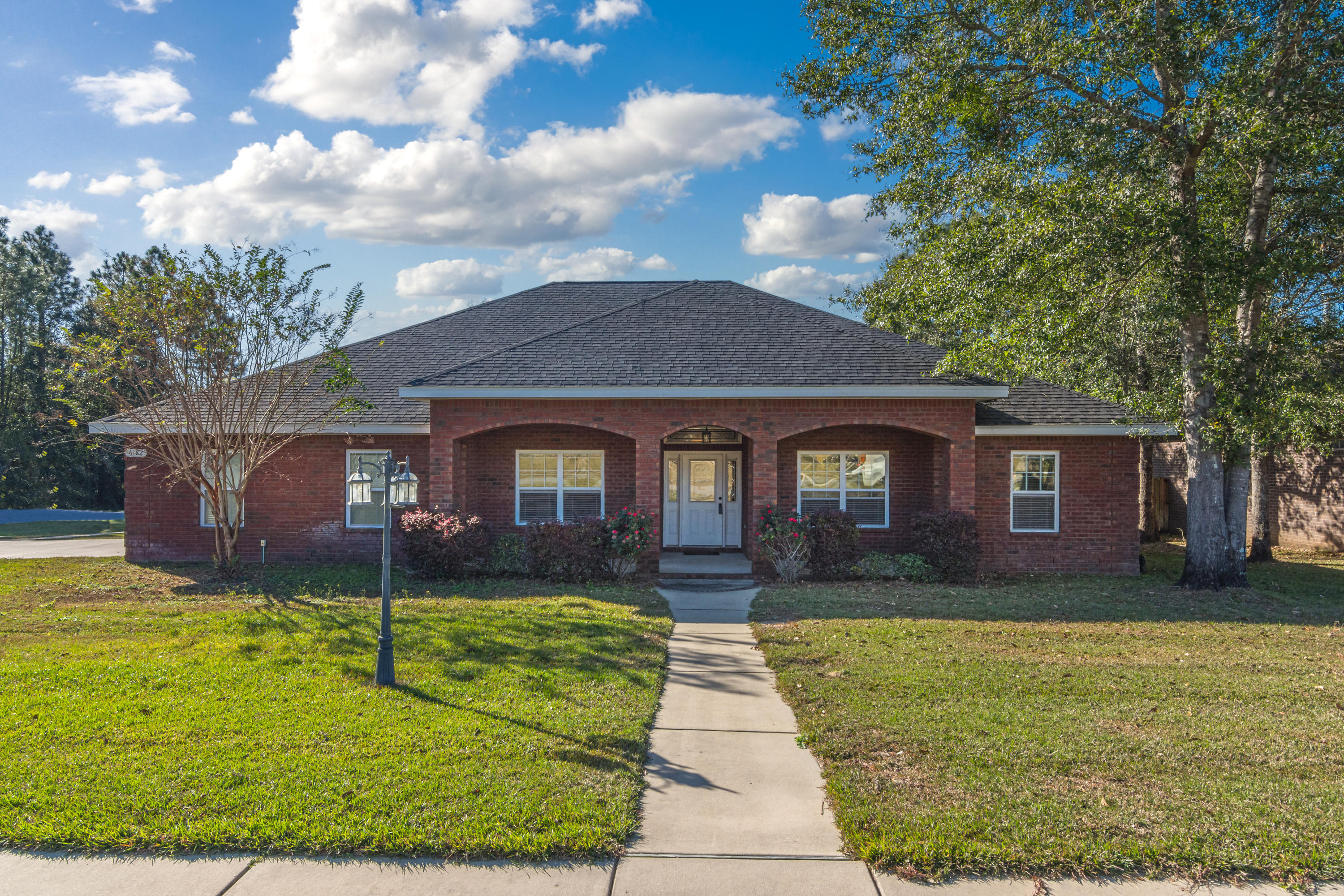 Photo of home for sale at 6182 Hummingbird, Crestview FL