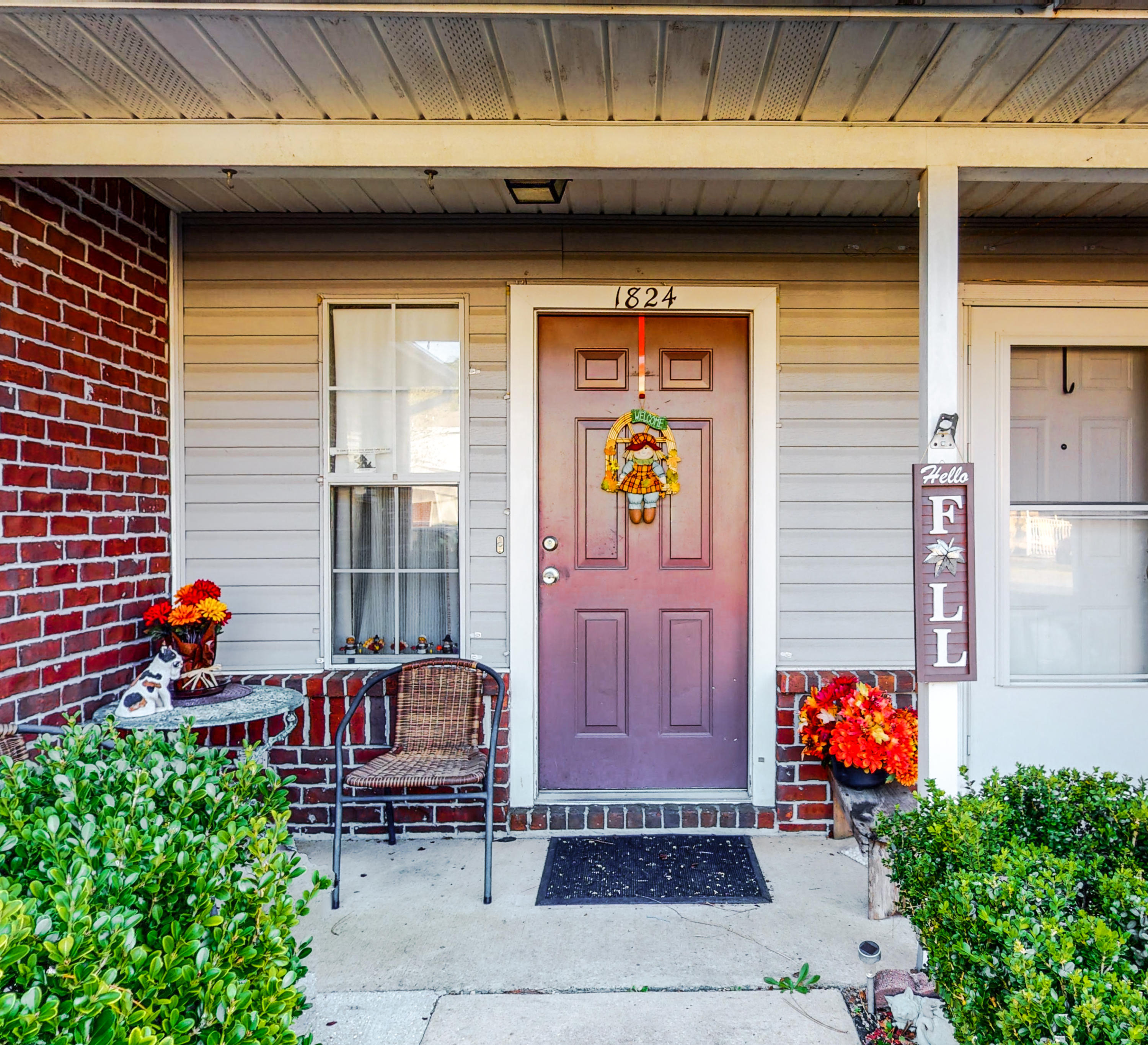 Photo of home for sale at 1824 Pointed Leaf, Fort Walton Beach FL