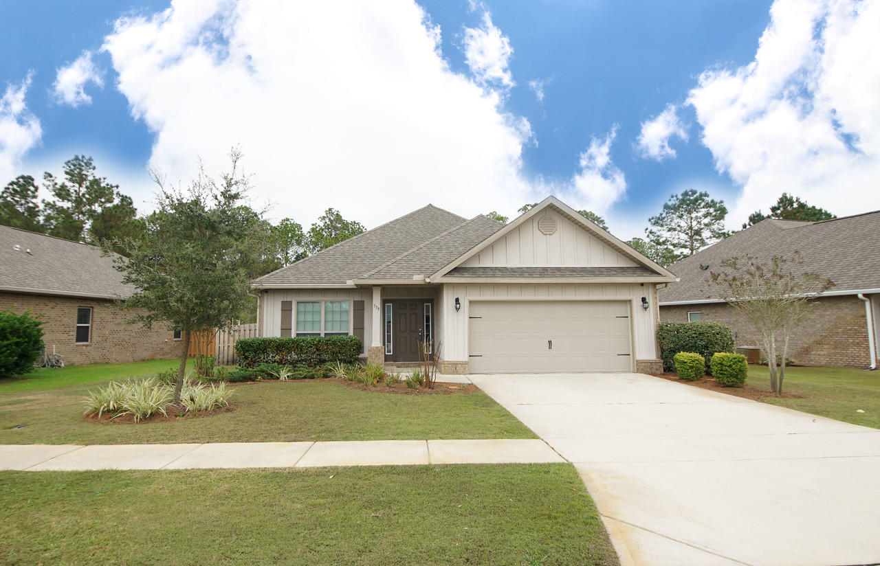 Photo of home for sale at 379 Whitman, Freeport FL