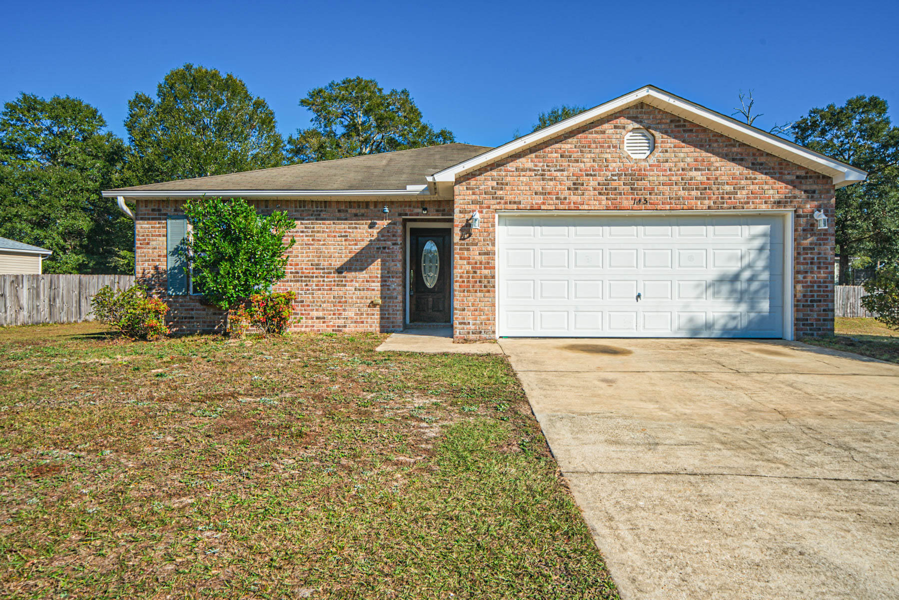Photo of home for sale at 145 Cabana, Crestview FL