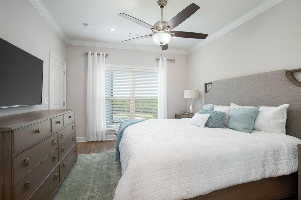 Photo of home for sale at 257 Driftwood, Miramar Beach FL