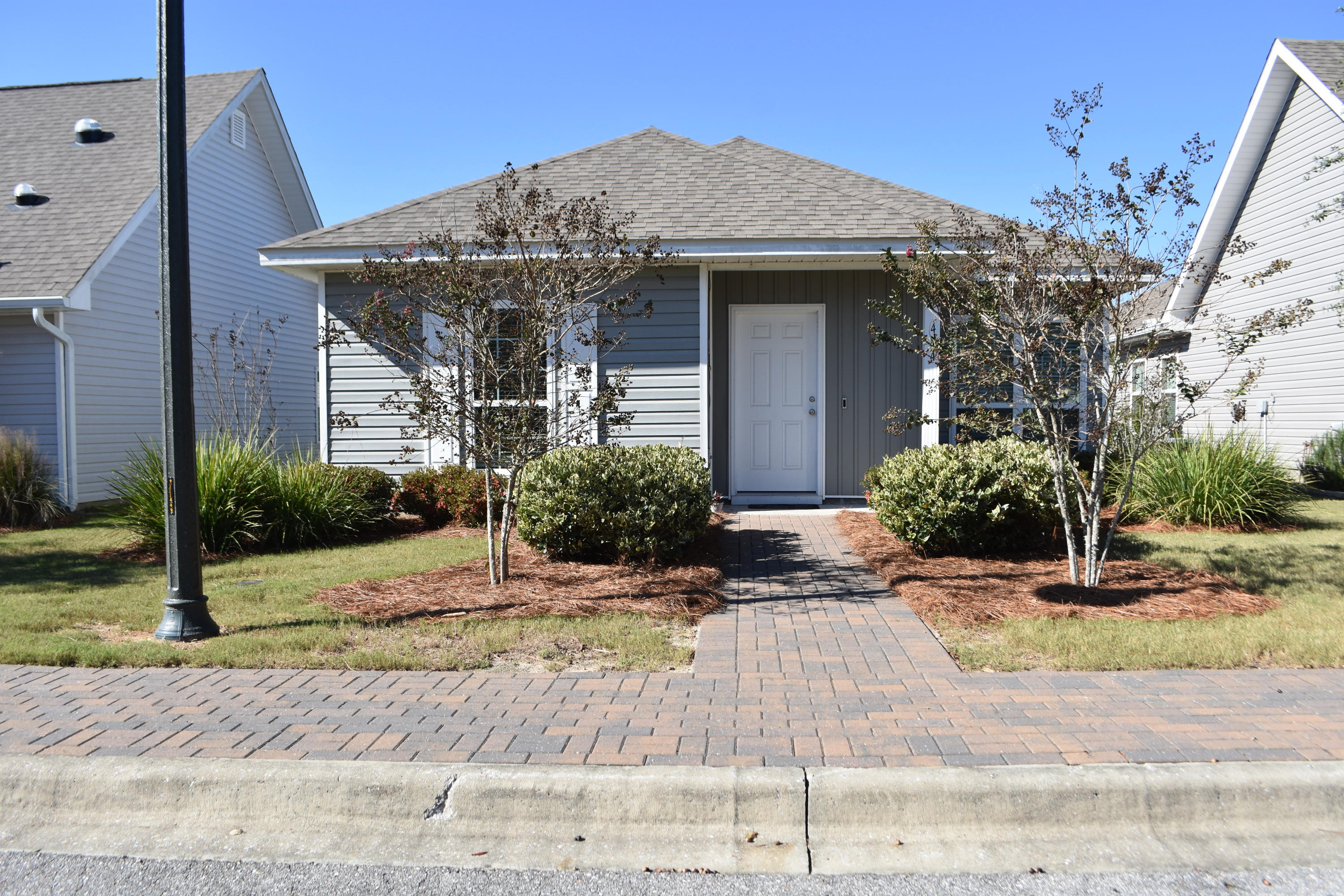 Photo of home for sale at 444 Fanny Ann, Freeport FL