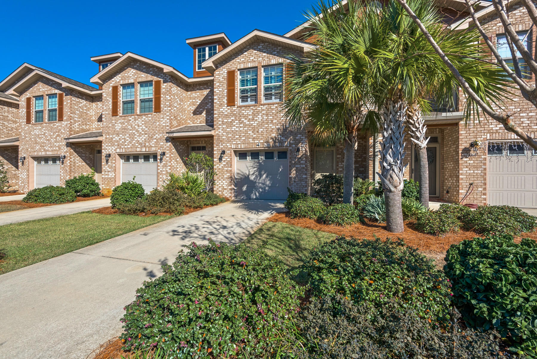 Photo of home for sale at 2070 Wilsons Plover, Navarre FL