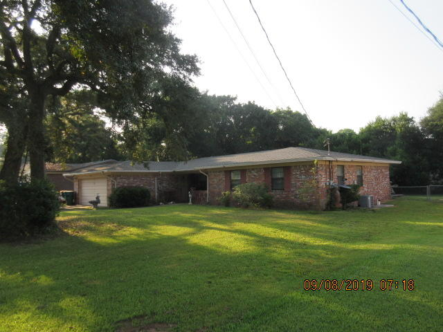 Photo of home for sale at 28 Birch, Shalimar FL