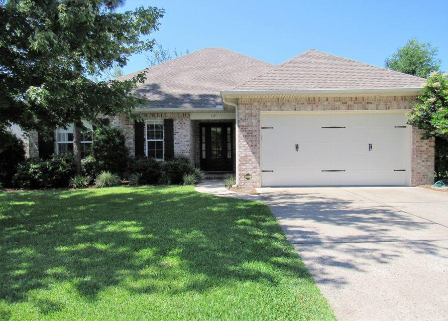 Photo of home for sale at 117 Black Bear, Niceville FL