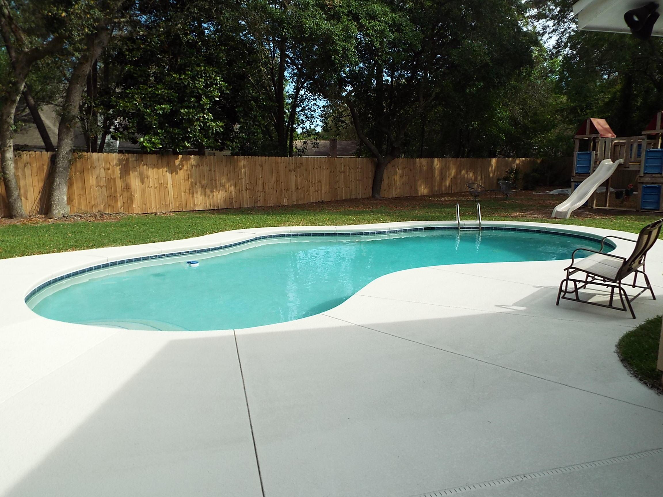 Photo of home for sale at 712 St Rose, Niceville FL
