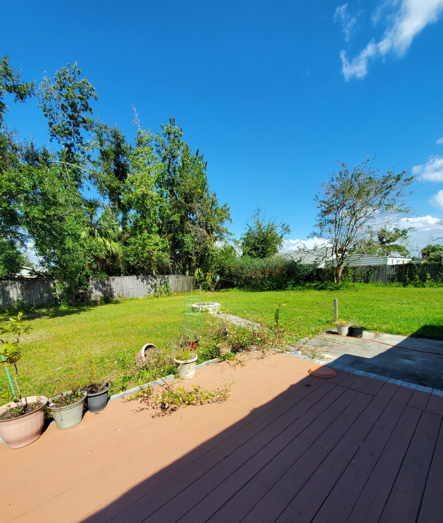 Photo of home for sale at 315 Missouri, Lynn Haven FL