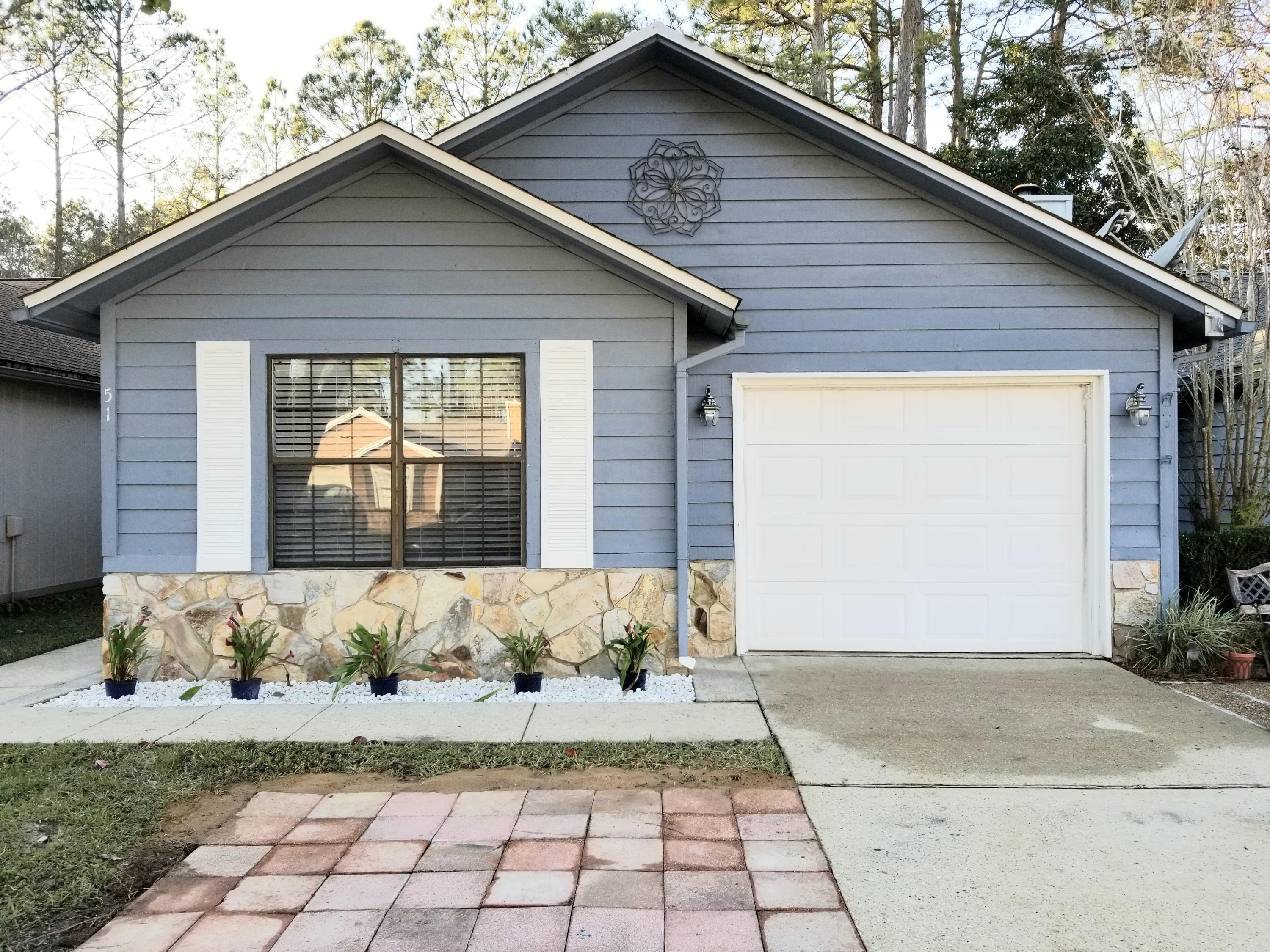 Photo of home for sale at 51 Kelly, Valparaiso FL