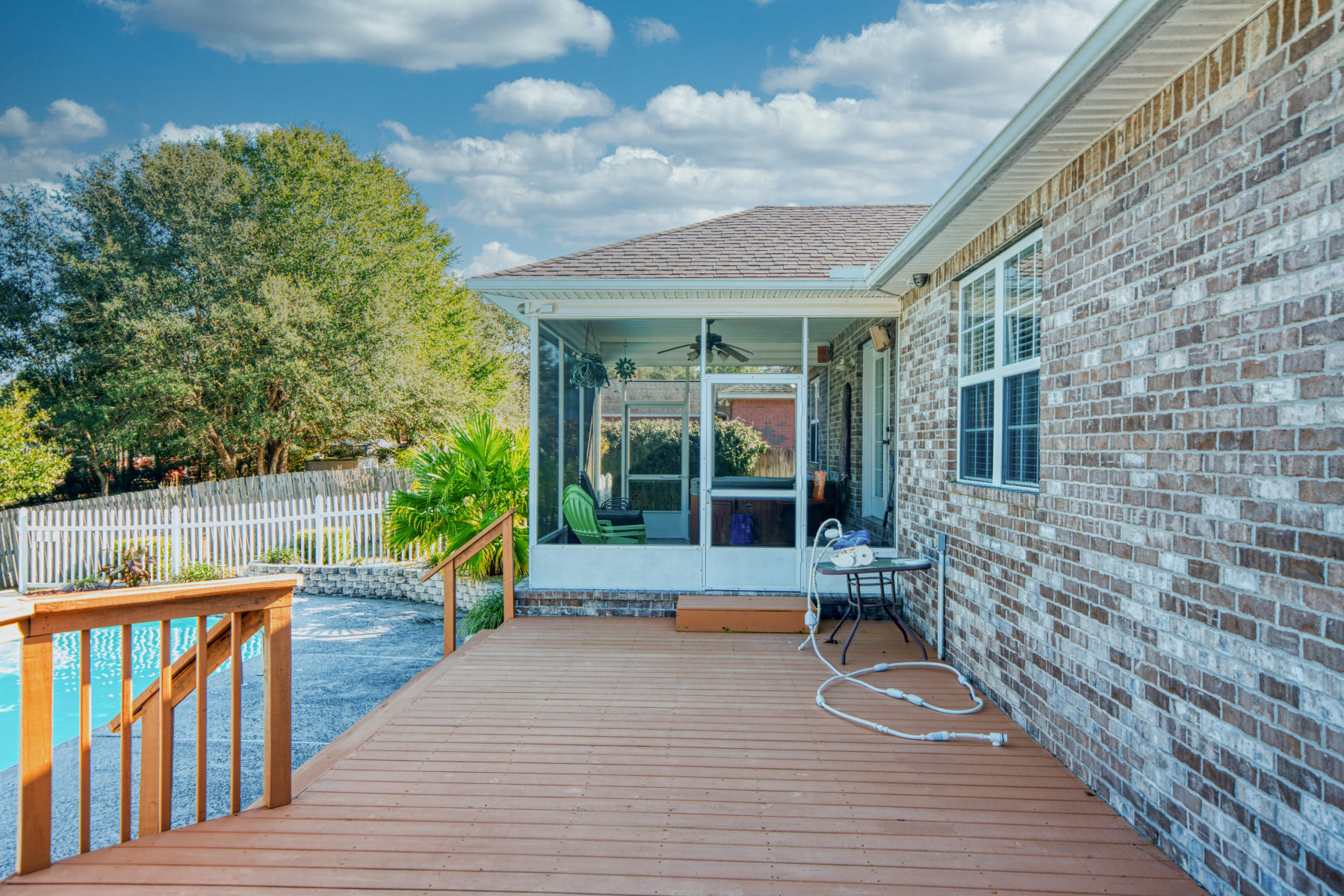 Photo of home for sale at 704 Riva Ridge, Crestview FL