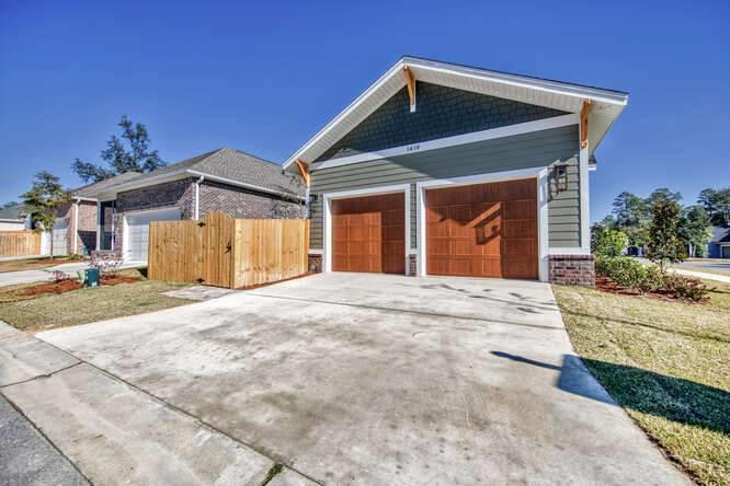 Photo of home for sale at 1419 Clary Sage, Niceville FL