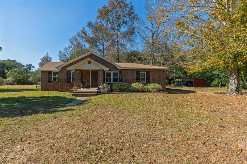 Photo of home for sale at 206 Garden, Crestview FL