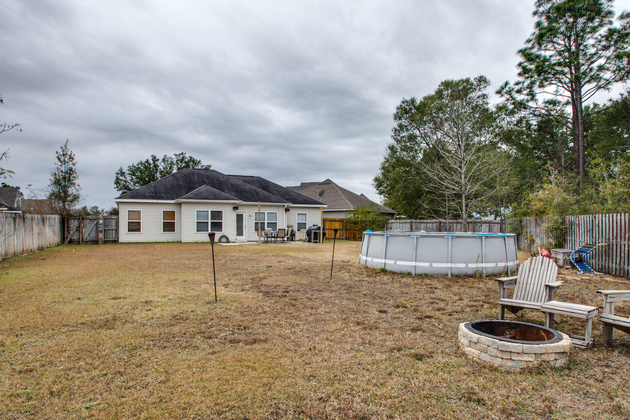 Photo of home for sale at 120 Creve Core, Crestview FL