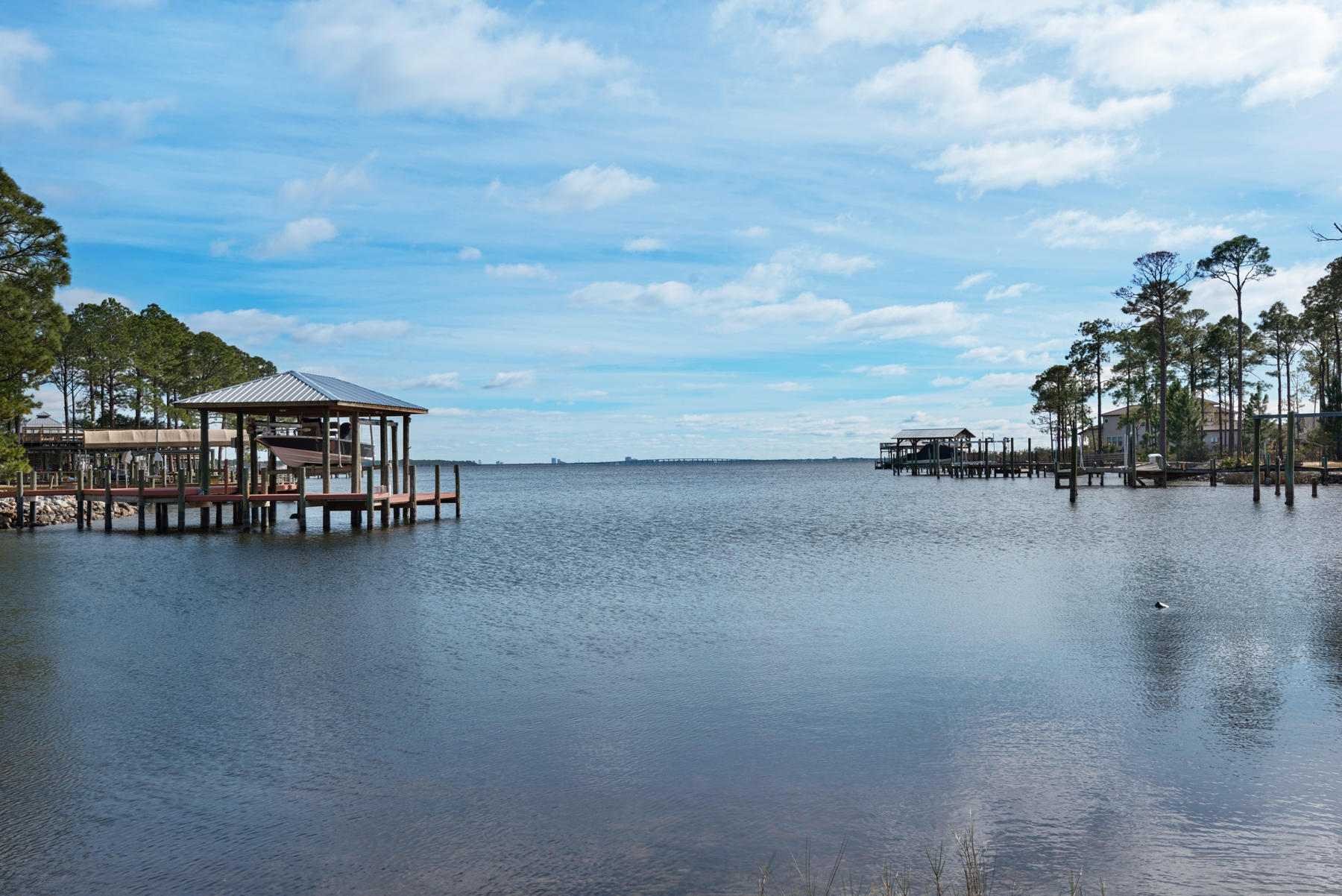 Photo of home for sale at 107 Dolphin Point, Niceville FL