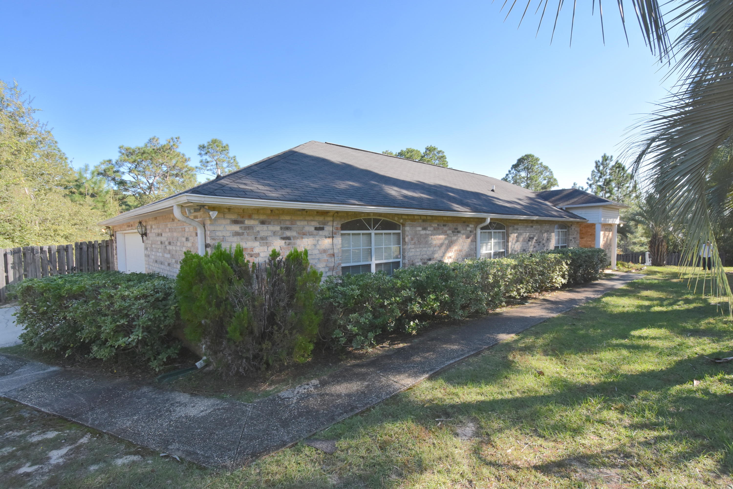 Photo of home for sale at 116 Tranquility, Crestview FL