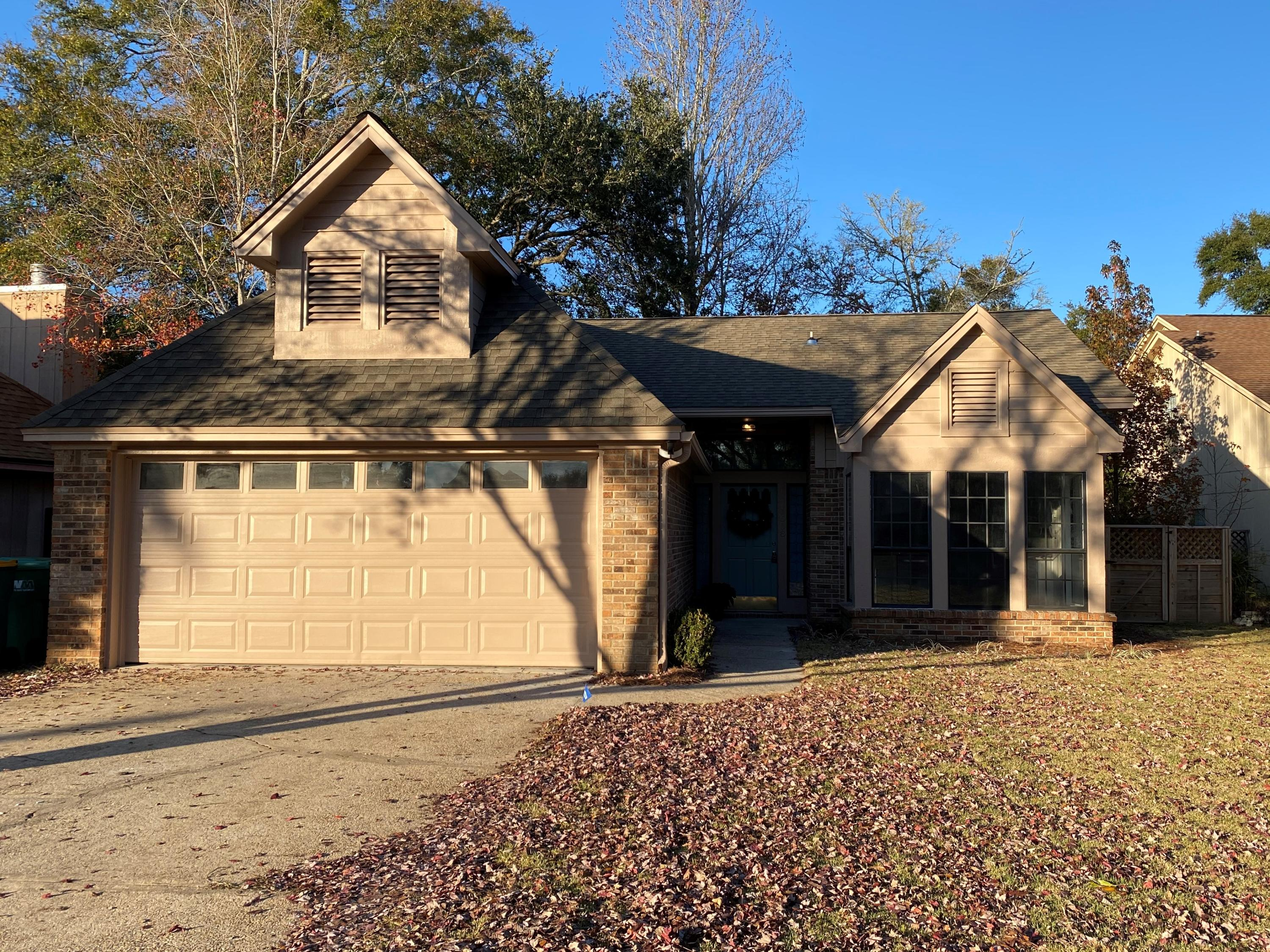 Photo of home for sale at 1608 Mariah, Fort Walton Beach FL