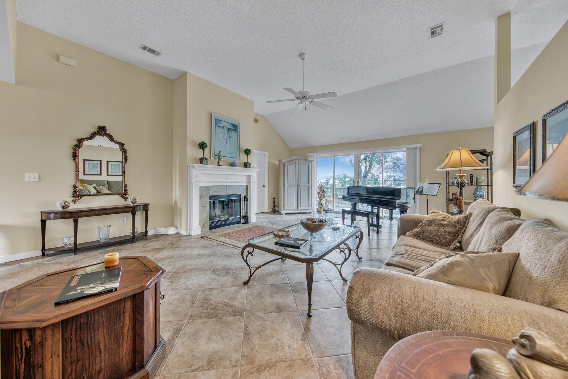 Photo of home for sale at 3789 Misty, Destin FL