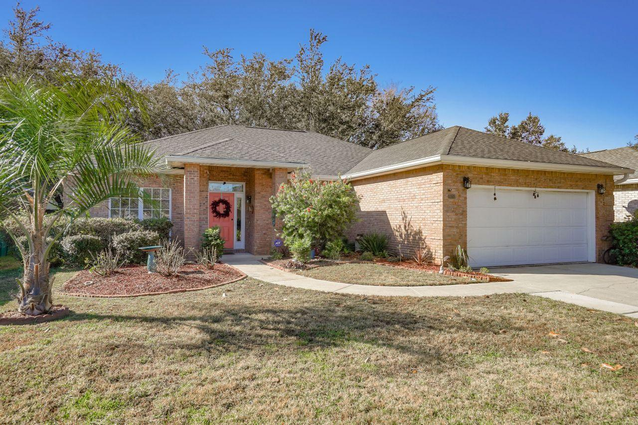 Photo of home for sale at 1432 The Crossings, Niceville FL