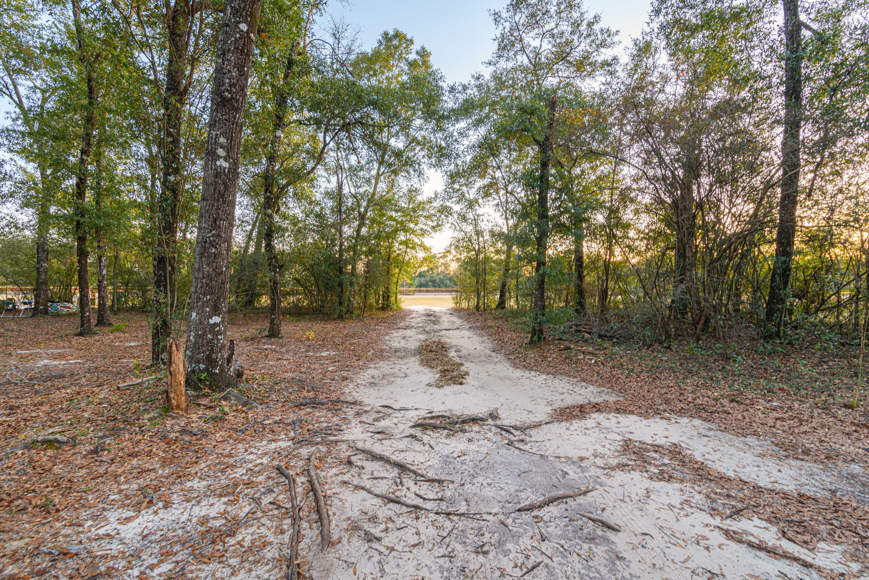 Photo of home for sale at 7850 Us-Hwy 90 W, Defuniak Springs FL