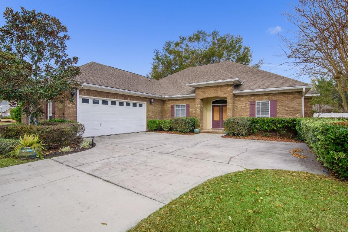 Photo of home for sale at 2609 Brodie, Crestview FL