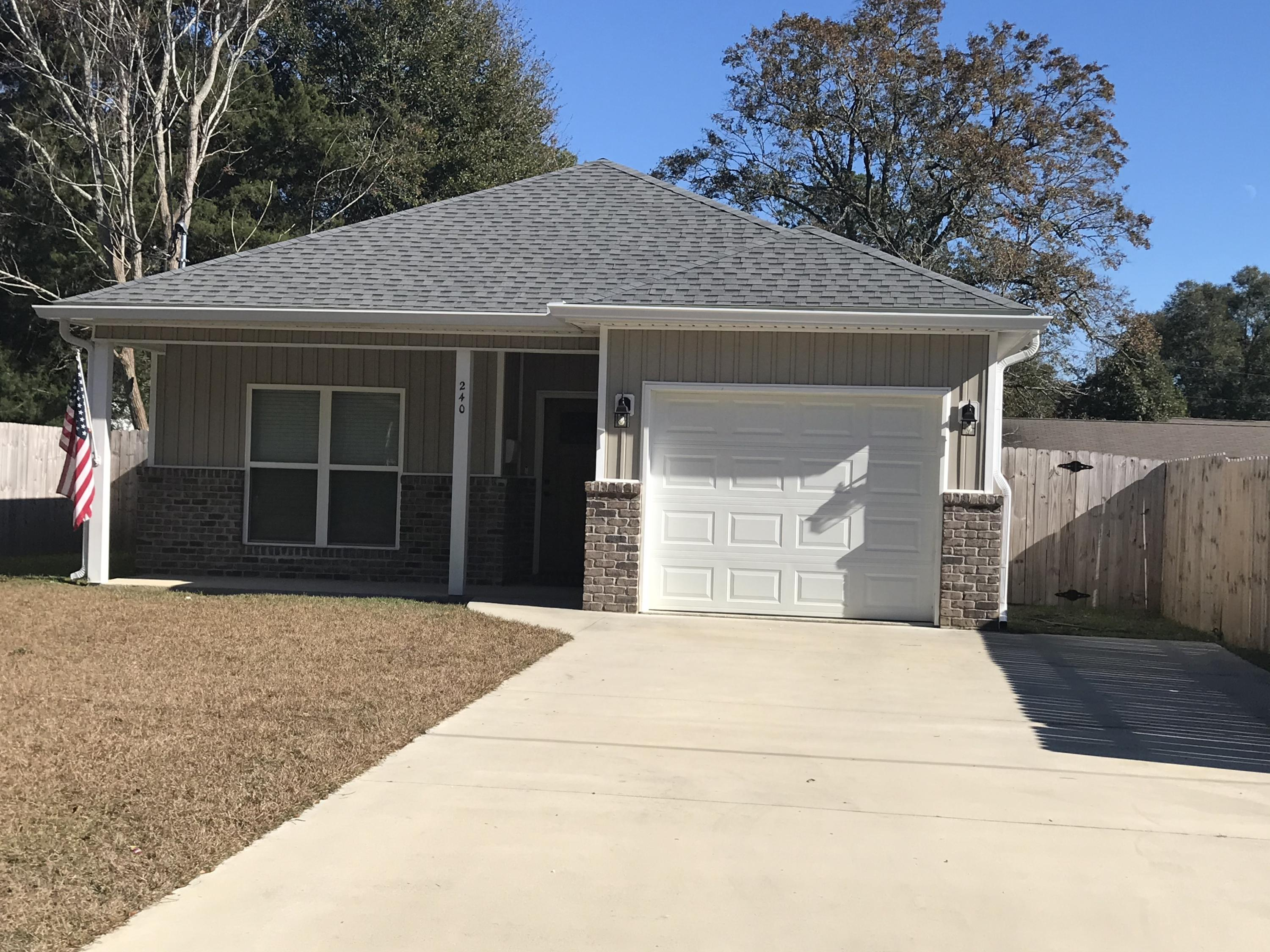 Photo of home for sale at 240 Dixie, Crestview FL