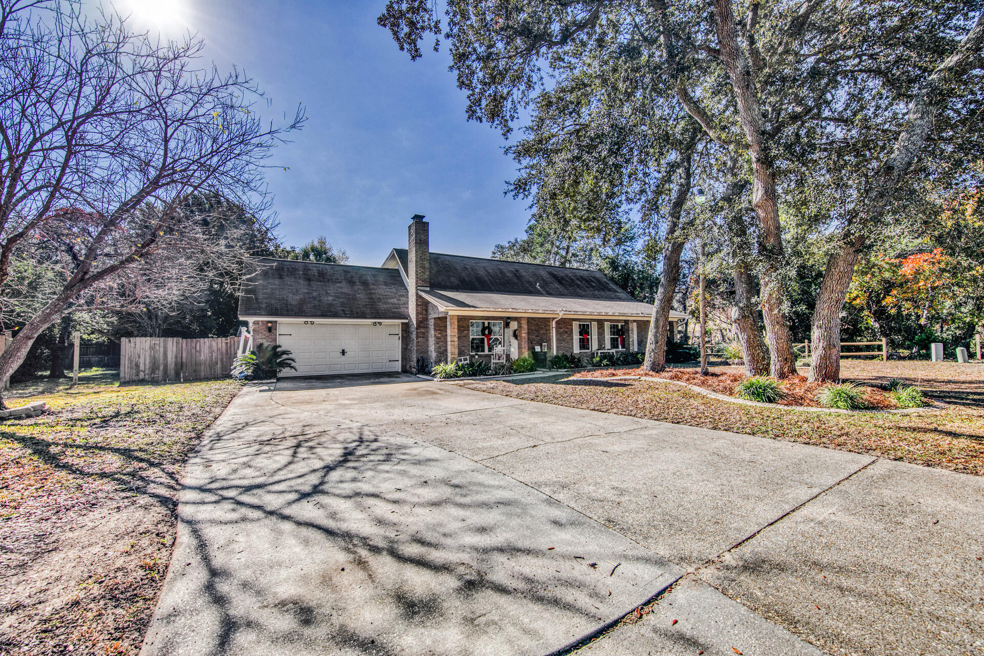 Photo of home for sale at 29 Newcastle, Niceville FL