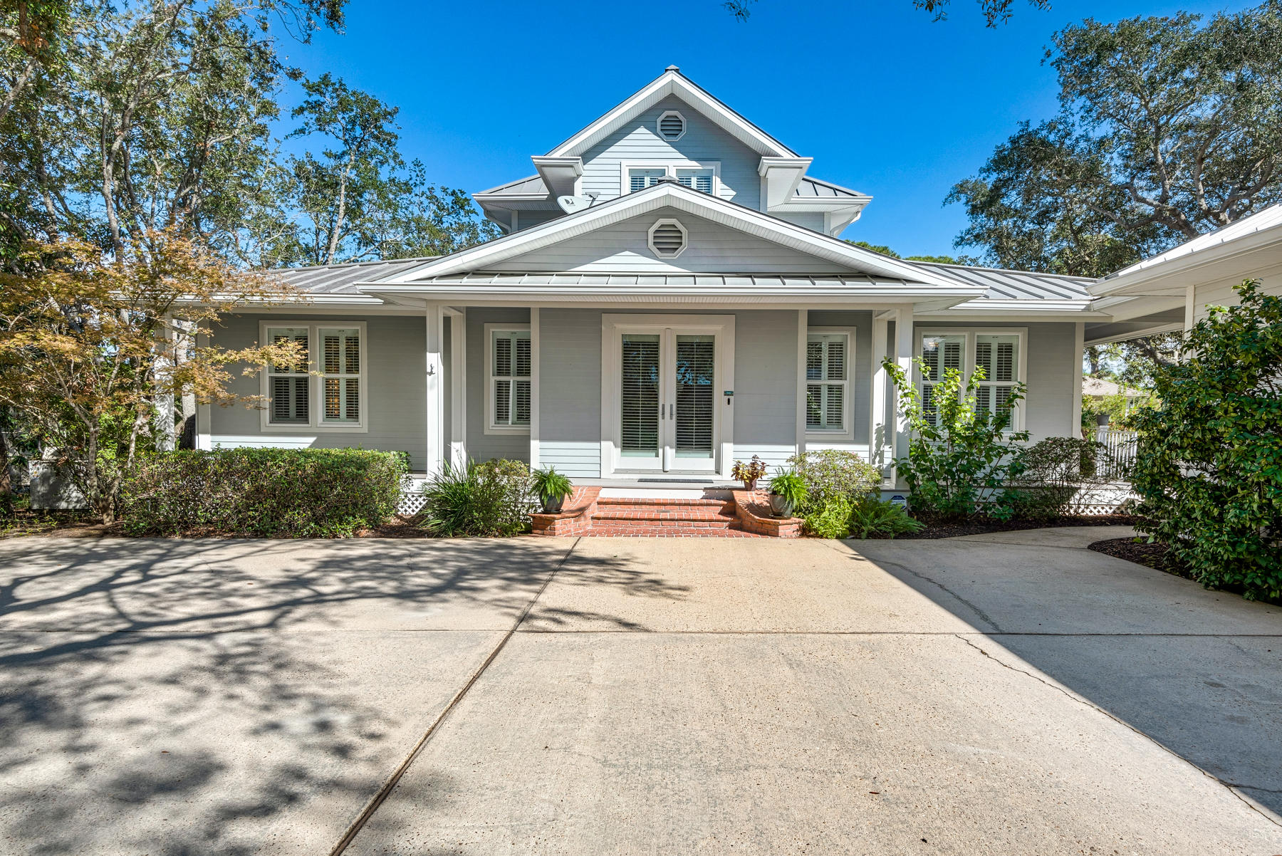 Photo of home for sale at 104 Indian Bayou, Destin FL
