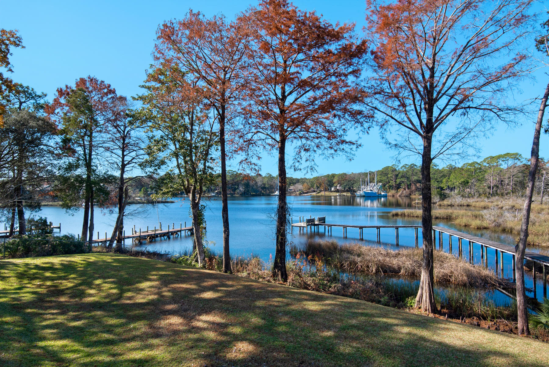 Photo of home for sale at 232 White, Niceville FL