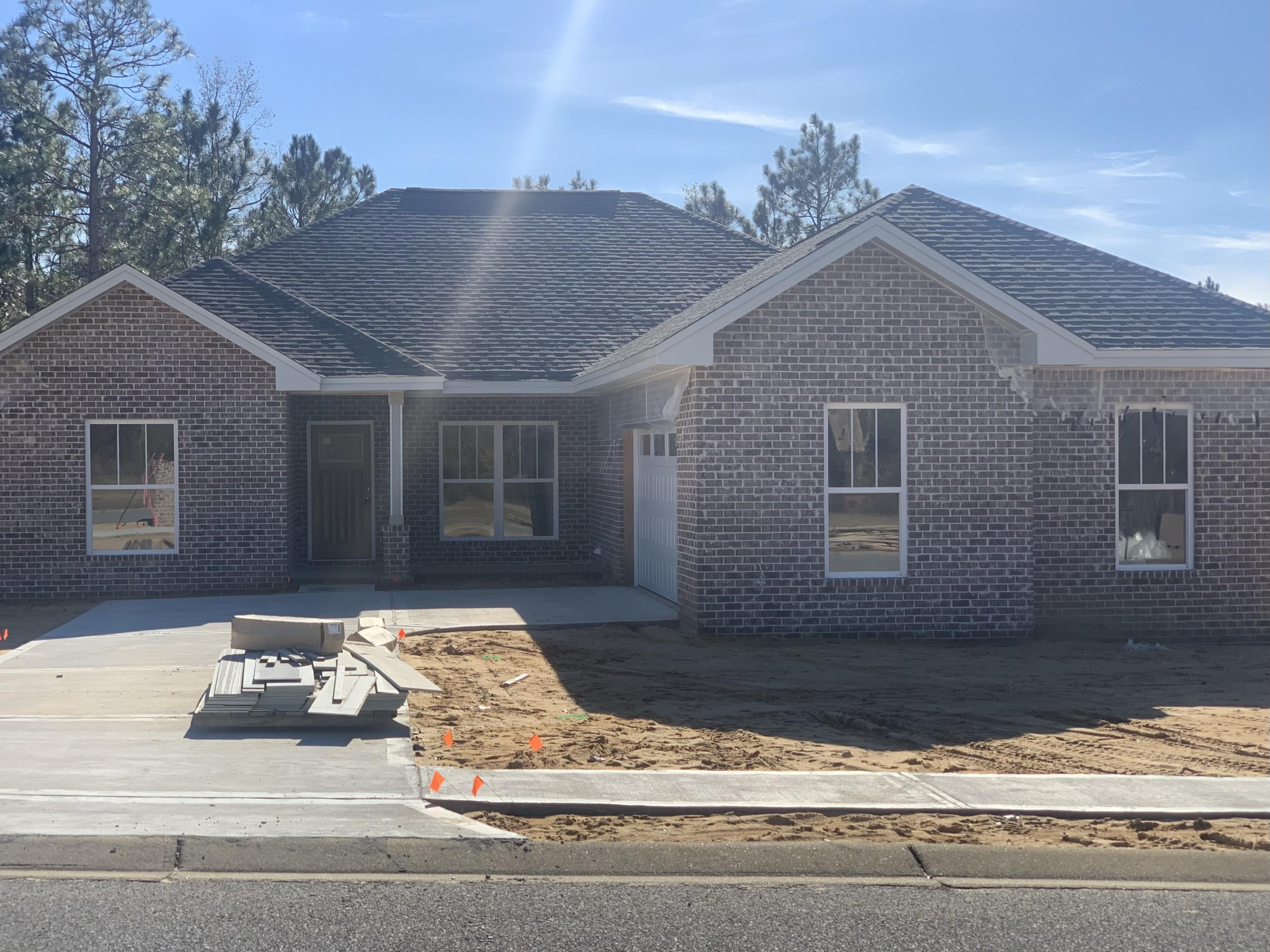 Photo of home for sale at 3073 Zach, Crestview FL