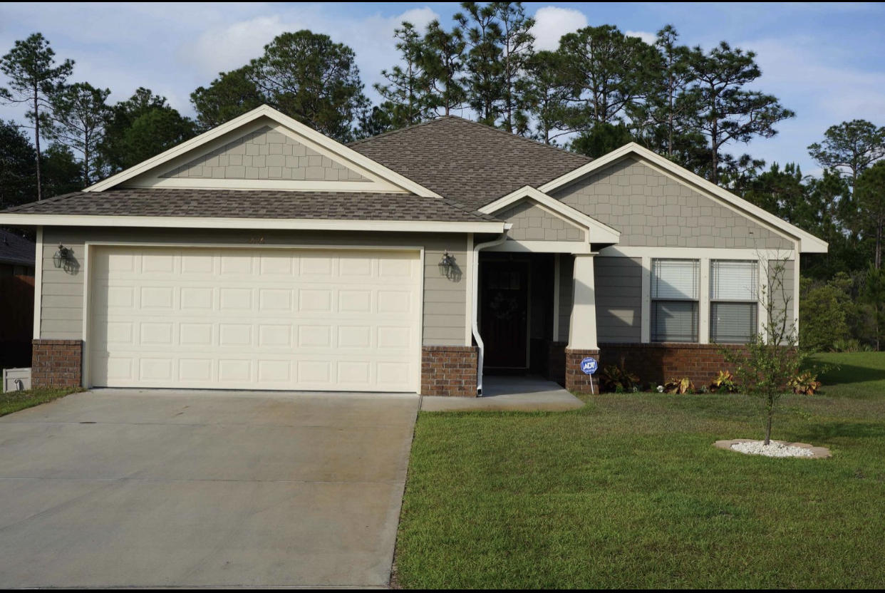 Photo of home for sale at 2626 Hartman, Navarre FL