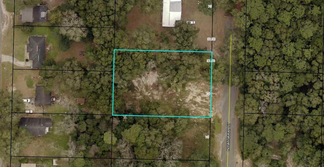 Photo of home for sale at 556 Hathaway, Crestview FL