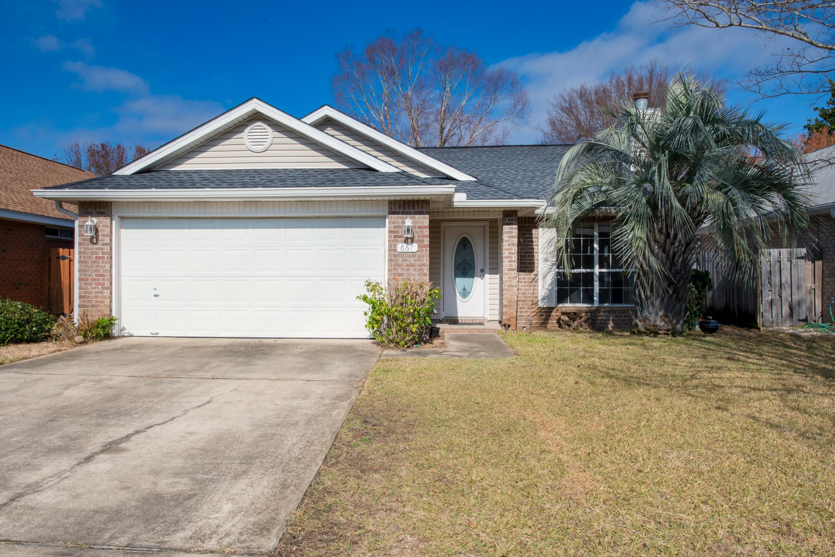 Photo of home for sale at 667 Randall Roberts, Fort Walton Beach FL