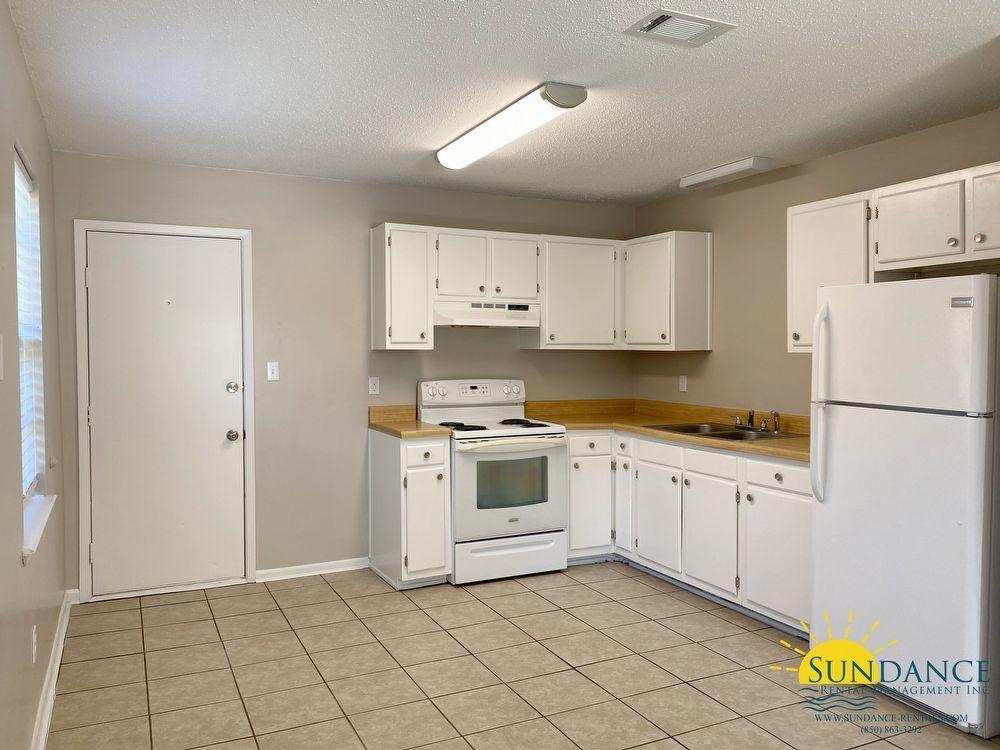 Photo of home for sale at 788 Navy, Fort Walton Beach FL