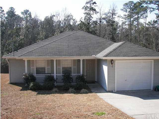 Photo of home for sale at 5270 Overbrook, Milton FL